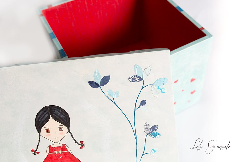 26042015_Caja-de-madera-muñeca-vestido-rojo_019