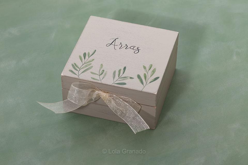 Cesta cubo cartel caja anillos y arras boda Natalia y Borja